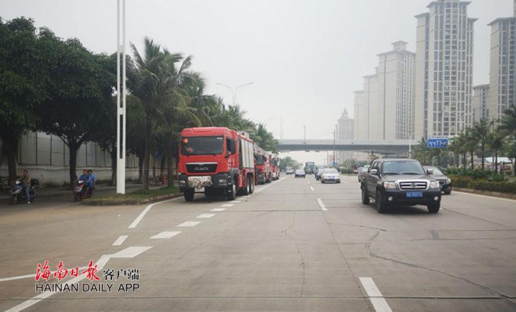 快讯丨海口一废弃工厂突发火灾 现场浓烟滚滚
