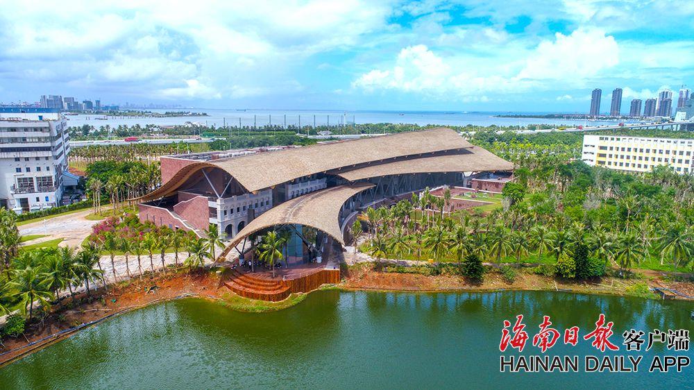 组图|海口市民游客中心完工 本月底12345等部门入驻