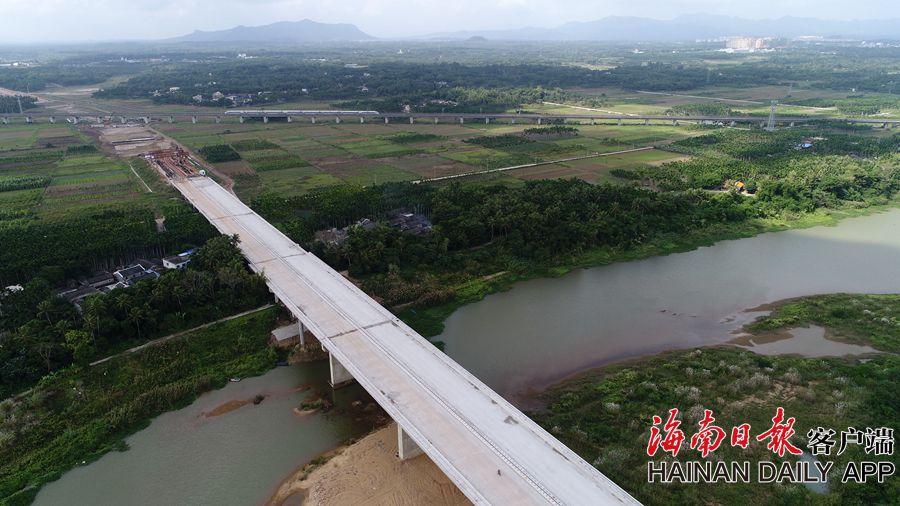 组图|文琼高速项目稳步施工 预计2019年11月份建成通车