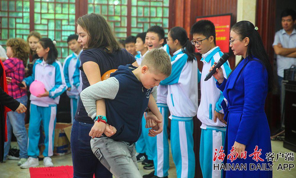 组图|俄罗斯中学生来海南乐享冬令营活动