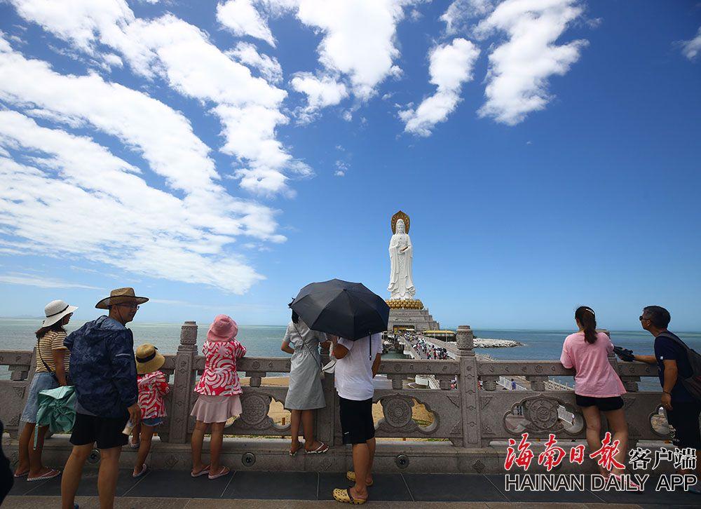 三亚暑期旅游逐渐升温