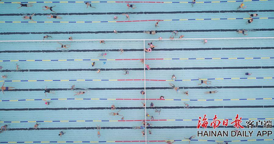 白沙:市民快樂戲水避暑消夏