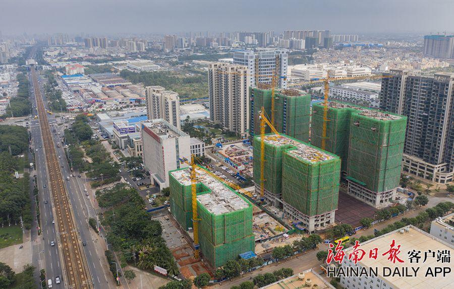 海口国家高新区药谷人才房项目两栋楼封顶