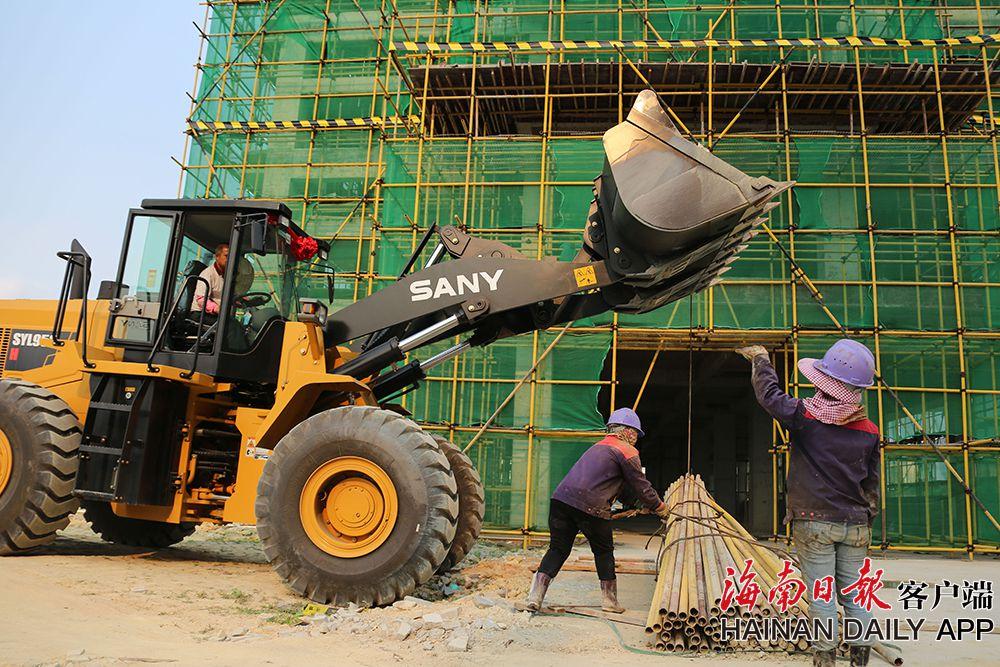 屯昌县中医院项目扩招工人抢抓工时